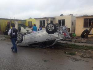 Evaristo Lenin Pérez Rivera, alcalde de Ciudad Acuña, informó a Televisa sobre la muerte de al menos 10 personas, como saldo preliminar, cifra que ha ido en aumento.