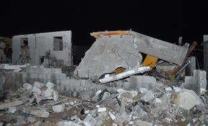 Los vientos del fenómeno meteorológico arrancaron los postes de suministro, que dejó sin luz a más de cuatro mil usuarios.