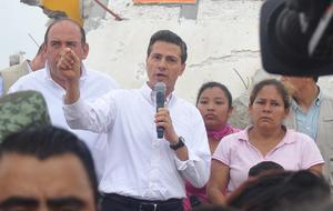 Peña Nieto dio a conocer que se reconstruirán tres escuelas que resultaron dañadas, además de manifestar que pedirá la supervisión de las empresas encargadas de realizar la recuperación de las viviendas.