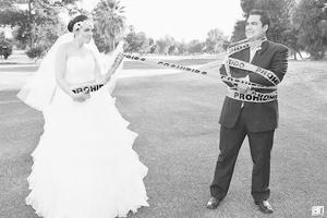 Felices posaron para la cámara Dalia Deyanira y Juan Fernando Cruz el día de su boda.