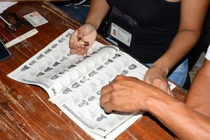 Los ciudadanos han acudido lentamente a emitir su voto.