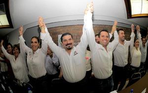 El PRI recuperó el distrito 06 en Torreón, anunciaba el candidato del PRI y Partido Verde, José Refugio Sandoval en los primeros resultados computados de la contienda electoral.