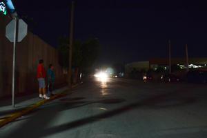 En la calzada División del Norte desde el Paseo del Tecnológico hasta el Rodríguez Triana están apagadas.