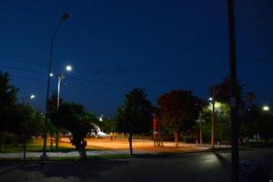 La Plaza Madero es uno de los sectores con la mitad del servicio en donde las lámparas viejas no se encienden.