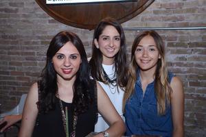 Lucía, Elisa y Alex.