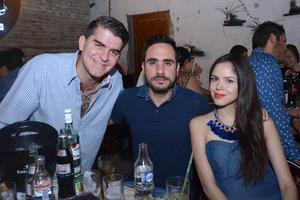 Omar, Manolo y Bea.