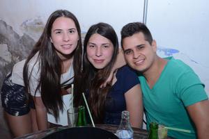 Pamela, Isabel y Eduardo.