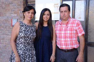 Sandra, Sandra y Gustavo.