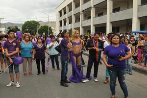 La marcha partió a las 19:00 horas de la calle Galeana.