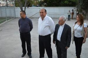El obispo de Torreón y el gobernador del estado realizaron un recorrido por las instalaciones.