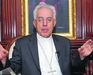 """""""50 años serán muchos o poco pero son toda una vida, una vida de entrega y servicios que le agradecemos a Dios que nos haya llamado"""", afirmó José Guadalupe Galván G., Obispo de Torreón."""