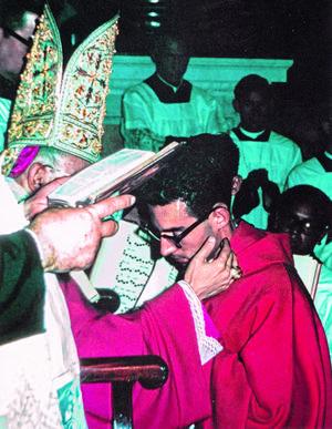 Sueño. A dos meses de cumplir sus 24 años, José Guadalupe Galván fue ordenado por el arzobispo Alfonso Espino, un 29 de junio, pero de hace 50 años.