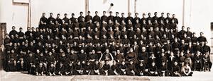 Llamado. Imagen de todos los aspirantes a futuros sacerdotes de la ciudad de Monterrey; Galván Galindo en sus primeros años de formación sacerdotal.