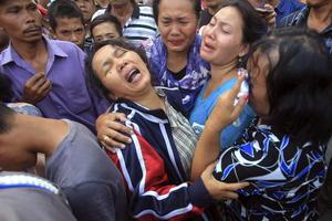 Familiares y amigos de las víctimas del accidente se mostraron desgarrados ante la tragedia.
