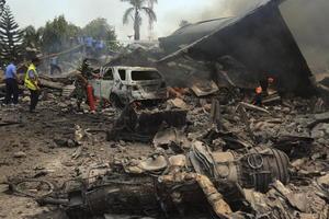 El avión militar se estrelló alrededor de dos minutos después de despegar de una base aérea.