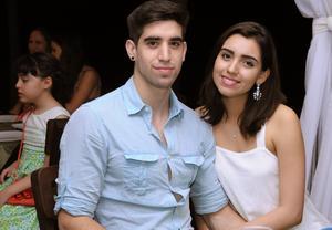 Alejandro y Victoria.