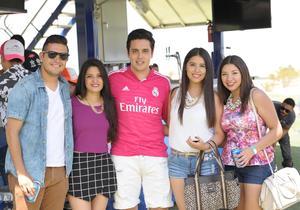 Jair, Alejandra, Carlos, Mariana y Gaby.