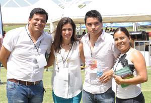 Miguel Ángel, Samantha, Rafael y Loida.