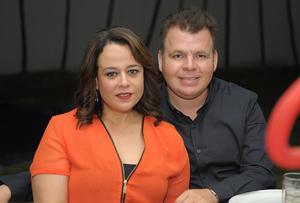 Alejandra y Carlos.