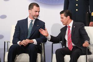 El presidente mexicano y el rey de España inauguraron el Encuentro ante más de 700 directivos de ambos países.