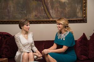 La primera dama, Angélica Rivera, se reunió con la reina Letizia.