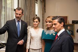 Los reyes y el titular del Ejecutivo nacional compartieron un recorrido por las instalaciones del sitio.