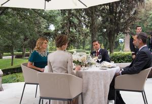 Peña Nieto recibió a los monarcas en Los Pinos.