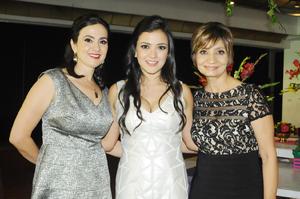 Lulú Carrillo y Luisa Duarte con Laura