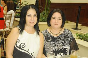 Yolanda de Clamont y Sara Izaguirre de Juárez