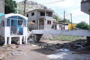 Por ahora no se puede determinar la afectación de colectores, aunque sí se generaron daños en los lugares donde el Simas hace reparaciones de redes sanitarias.