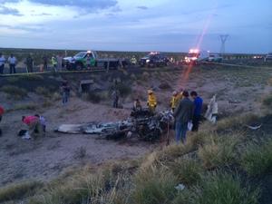 Se dijo que la aeronave fue una avioneta tipo Cessna 206, con matrícula XBMBC, de cuatro plazas, en la cual viajaban tres personas cuyos cuerpos quedaron completamente calcinados al igual que la avioneta.