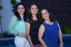 Carmen, Liliana y Elida.