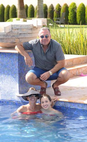 Jaime, Eva y Luisa.