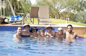 Mauricio, Regina, Angélica, Cecy, Paty, Lizeth y Héctor.