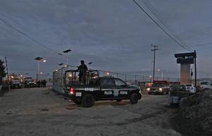 """El poderoso narcotraficante Joaquín """"El Chapo"""" Guzmán logró fugarse de la que era considerada la prisión más segura del país a través de un túnel desde su celda."""