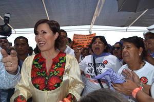 """La funcionaria federal dijo estar contenta de visitar Coahuila y señaló que se ha insistido en que con la política social emprendida por el presidente Enrique Peña Nieto: """"Estamos llegando a donde nadie había llegado y esta comunidad es un ejemplo muy claro de eso"""", ya que estaban """"abandonados""""."""