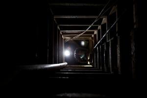 Junto a la boca principal del túnel se observó otro boquete de unos 20 metros de profundidad que funge como respirador.