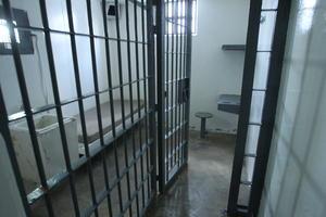 La celda se encuentra a 60 pasos del último filtro de seguridad, en el área de tratamientos especiales.