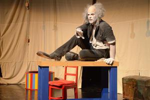 La puesta en escena es parte del Festival de Monólogos Teatro a una sola voz 2015.