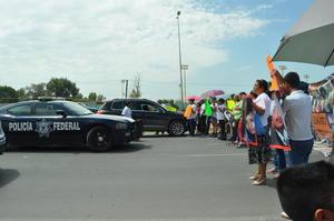 Virginia Contreras, su madre, comenta que de acuerdo con el GPS del taxi, que se recuperó al día siguiente en la colonia Buenos Aires, se tiene el registro que el auto fue llevado a las instalaciones de la Policía del Estado, ubicadas a un costado de la Policía Federal, en donde permaneció por más de dos horas para después dejarlo en el sector donde se encontró.