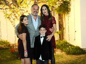 Romina, Gabo, Lily y Jaime