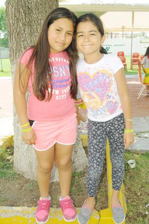 Yadira y Karol