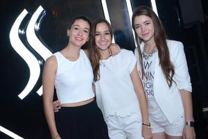 Alicia, Moni y Laura