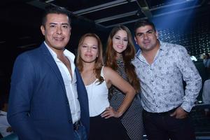 José Ángel, Anabel, Lily y Enrique