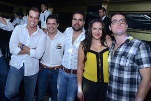 Octavio, Toto, Juane, Ana y López