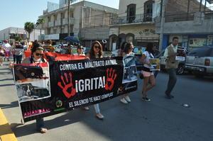 Los manifestantes partieron a las 10:15 horas rumbo al Paseo Colón.