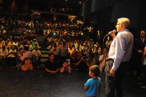 Andrés Manuel López Obrador regresó a La Laguna para hablar con simpatizantes de Morena.
