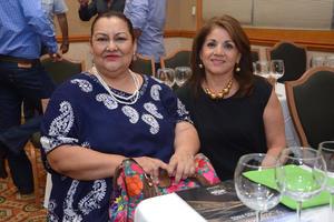 Estefanía Gómez y Marcela Casillas