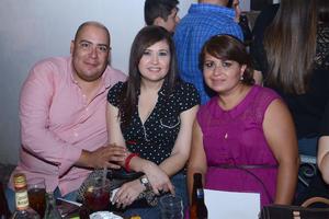Arturo, Claudia y Cami