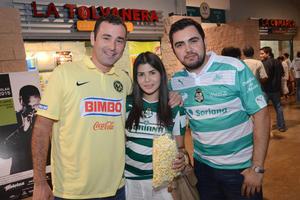 Juan Antonio, Priscilla y Chuy